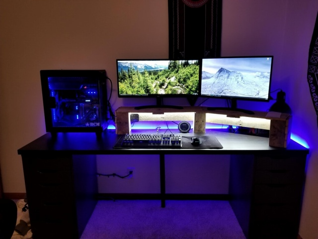 PC_Desk_MultiDisplay108_44.jpg