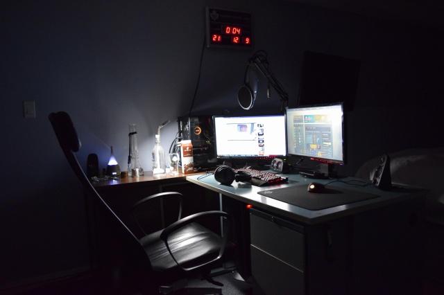 PC_Desk_MultiDisplay108_46.jpg