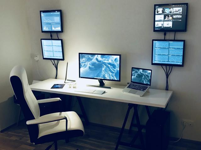 PC_Desk_MultiDisplay108_54.jpg