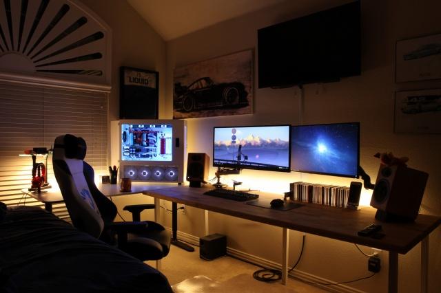 PC_Desk_MultiDisplay108_56.jpg