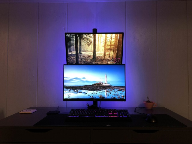 PC_Desk_MultiDisplay108_60.jpg