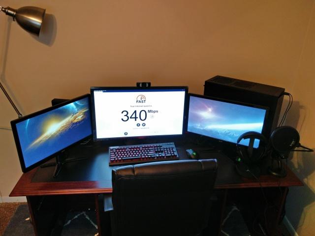 PC_Desk_MultiDisplay108_85.jpg