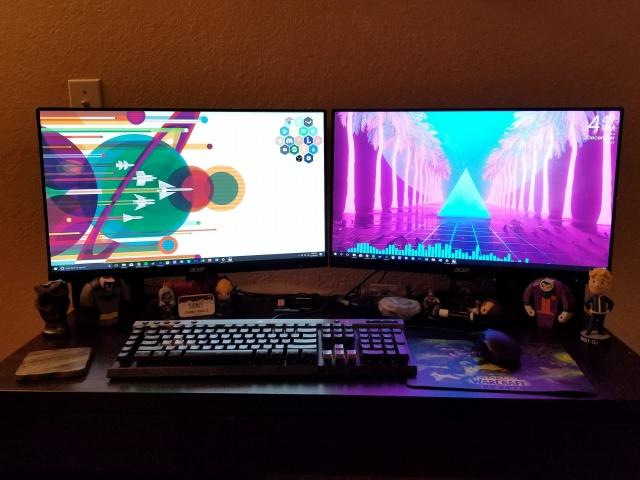PC_Desk_MultiDisplay108_88.jpg