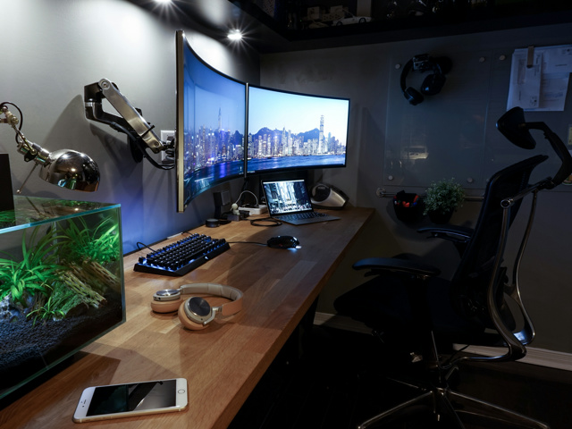PC_Desk_MultiDisplay91_01.jpg