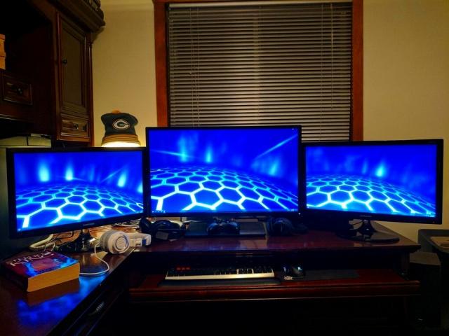 PC_Desk_MultiDisplay92_06.jpg