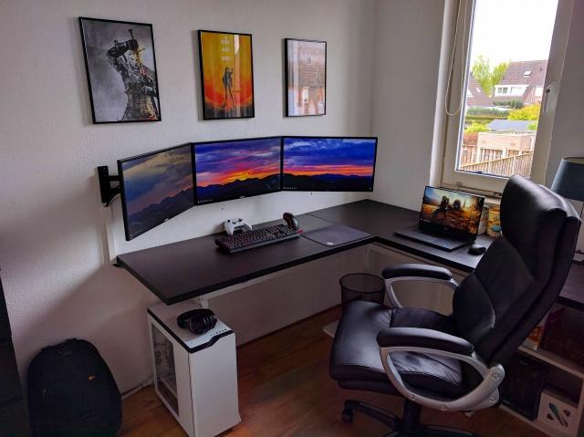 PC_Desk_MultiDisplay92_14.jpg