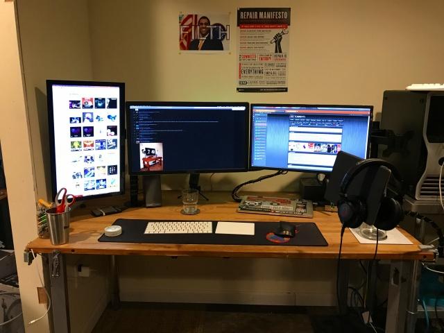 PC_Desk_MultiDisplay92_30.jpg
