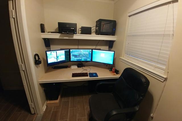 PC_Desk_MultiDisplay92_33.jpg