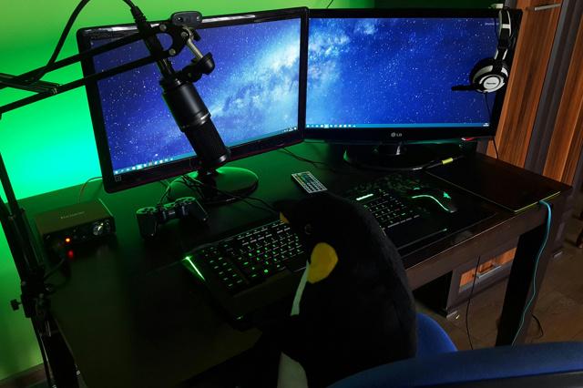 PC_Desk_MultiDisplay92_48.jpg