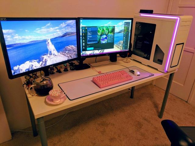PC_Desk_MultiDisplay92_58.jpg