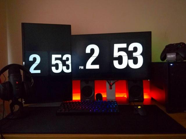 PC_Desk_MultiDisplay94_03.jpg