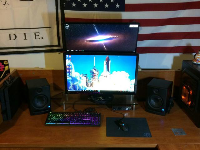 PC_Desk_MultiDisplay94_07.jpg