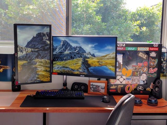 PC_Desk_MultiDisplay94_13.jpg