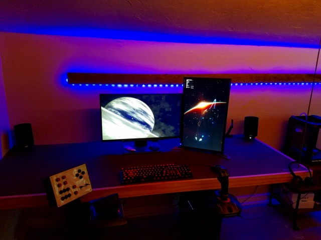 PC_Desk_MultiDisplay94_26.jpg
