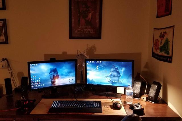 PC_Desk_MultiDisplay94_66.jpg