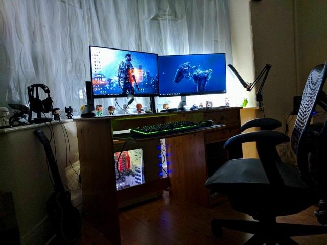 PC_Desk_MultiDisplay94_88.jpg
