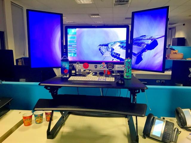PC_Desk_MultiDisplay95_08.jpg