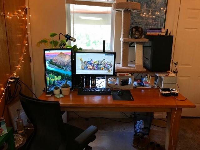 PC_Desk_MultiDisplay95_12.jpg
