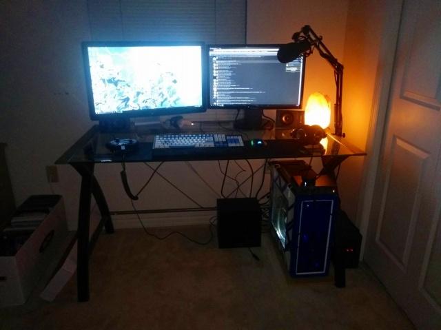 PC_Desk_MultiDisplay95_24.jpg