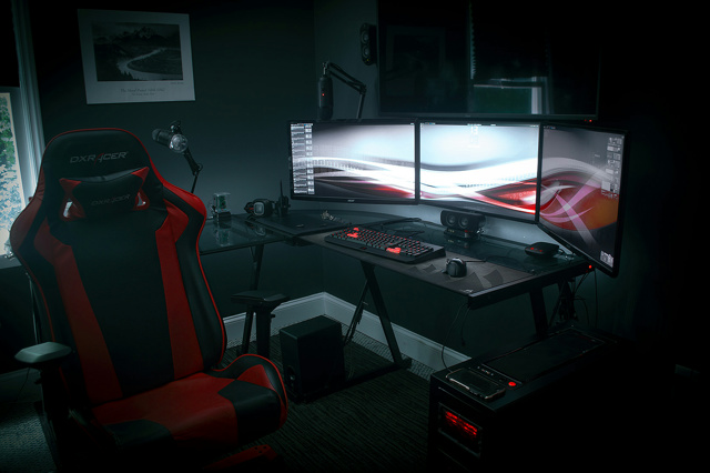 PC_Desk_MultiDisplay96_01.jpg