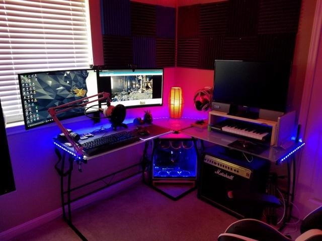 PC_Desk_MultiDisplay96_12.jpg