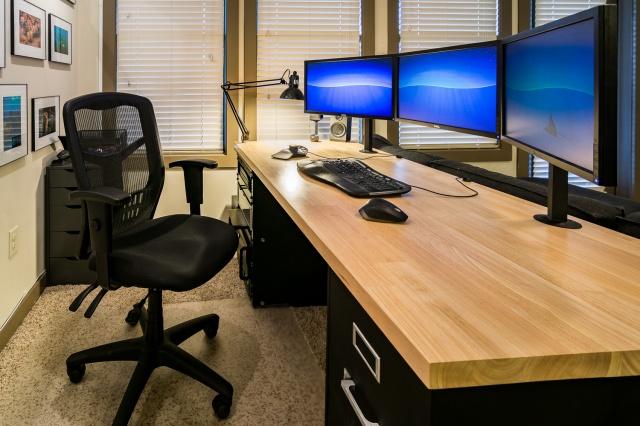 PC_Desk_MultiDisplay96_17.jpg