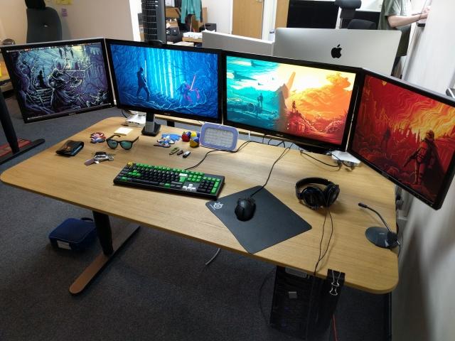 PC_Desk_MultiDisplay96_18.jpg