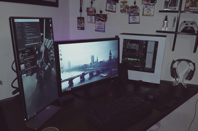 PC_Desk_MultiDisplay96_24.jpg