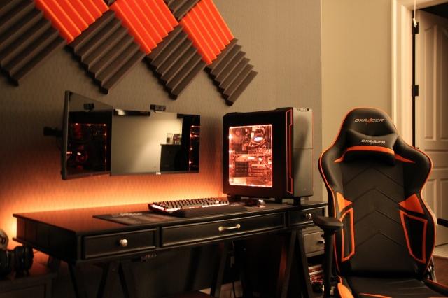 PC_Desk_MultiDisplay96_25.jpg