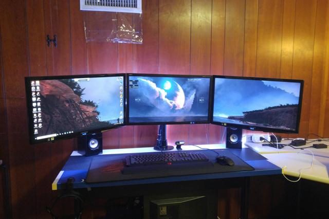 PC_Desk_MultiDisplay96_36.jpg