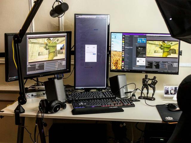 PC_Desk_MultiDisplay96_50.jpg