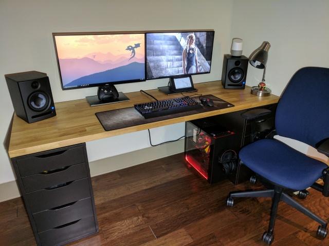 PC_Desk_MultiDisplay96_66.jpg