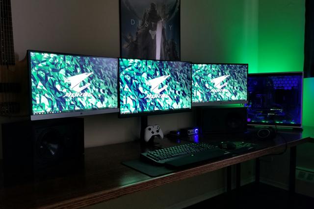 PC_Desk_MultiDisplay96_71.jpg