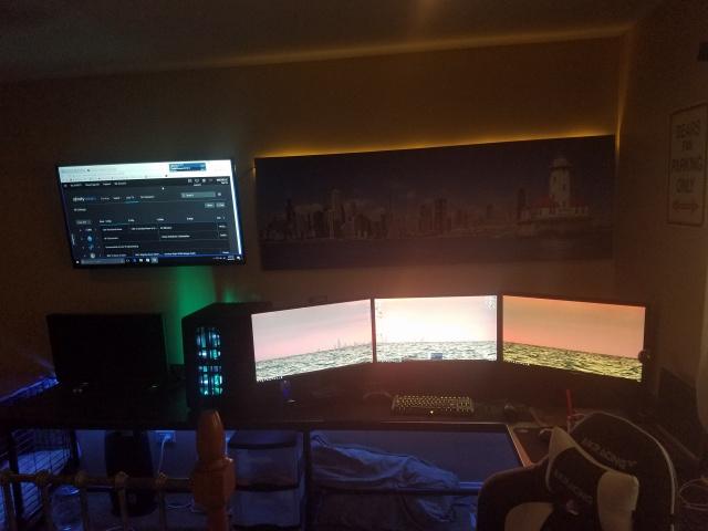 PC_Desk_MultiDisplay96_72.jpg
