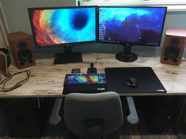 PC_Desk_MultiDisplay96_81.jpg