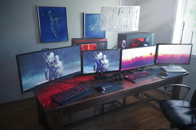 PC_Desk_MultiDisplay98_05.jpg