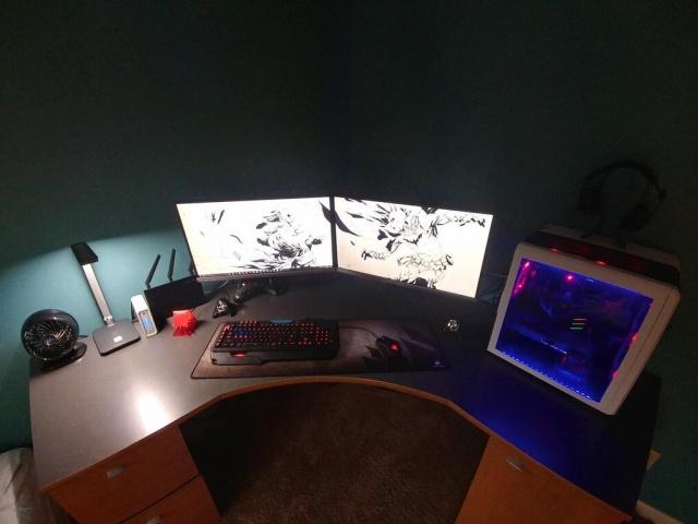 PC_Desk_MultiDisplay98_74.jpg