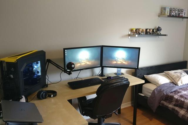 PC_Desk_MultiDisplay98_77.jpg