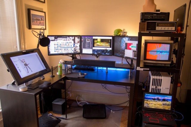 PC_Desk_MultiDisplay98_92.jpg