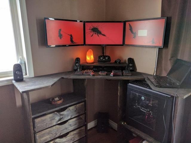 PC_Desk_MultiDisplay99_54.jpg