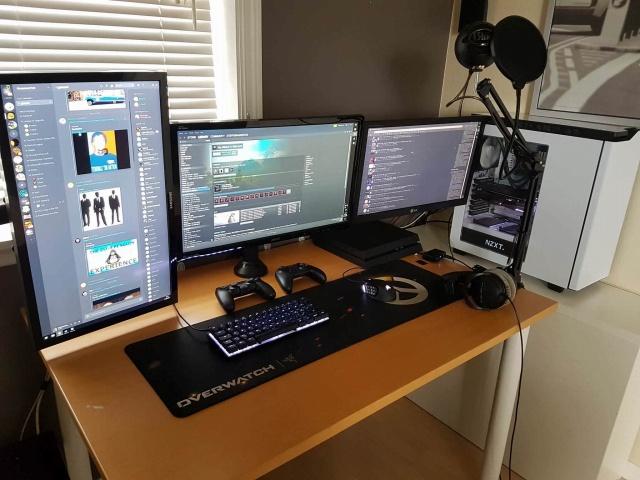 PC_Desk_MultiDisplay99_66.jpg