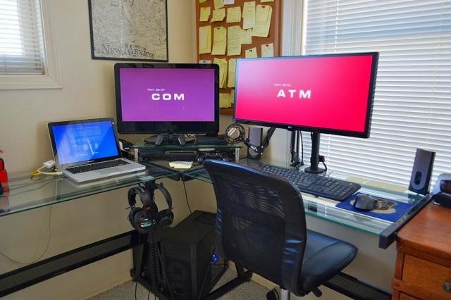 PC_Desk_UltlaWideMonitor19_22.jpg