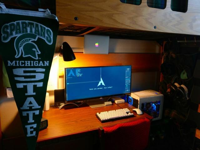 PC_Desk_UltlaWideMonitor19_25.jpg