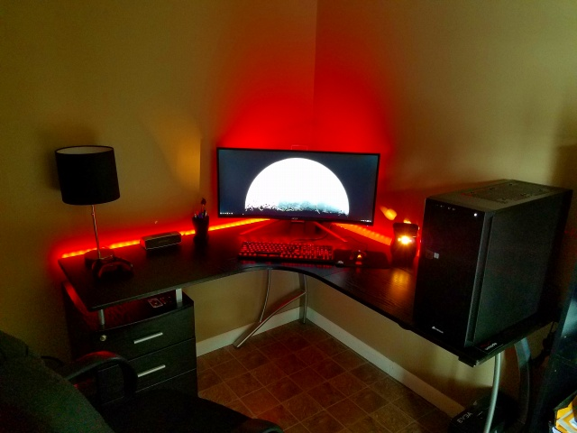 PC_Desk_UltlaWideMonitor19_64.jpg