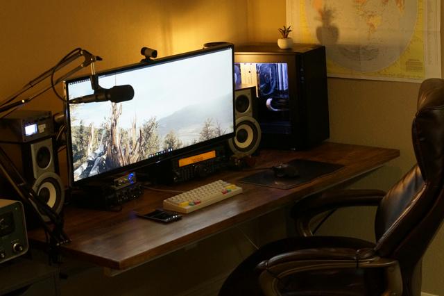 PC_Desk_UltlaWideMonitor19_67.jpg