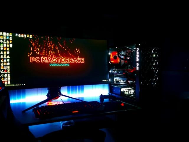PC_Desk_UltlaWideMonitor19_85.jpg