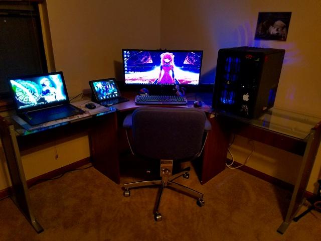 PC_Desk_UltlaWideMonitor20_11.jpg