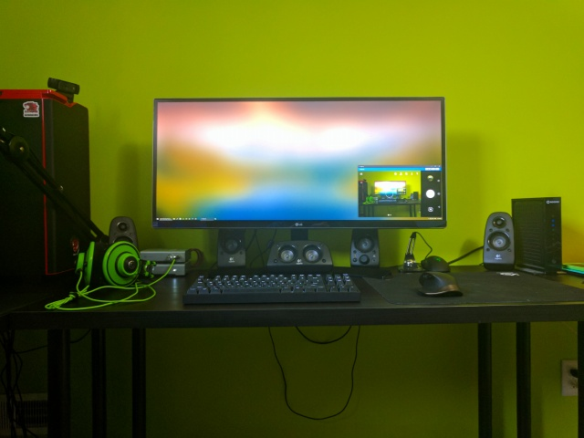 PC_Desk_UltlaWideMonitor20_27.jpg