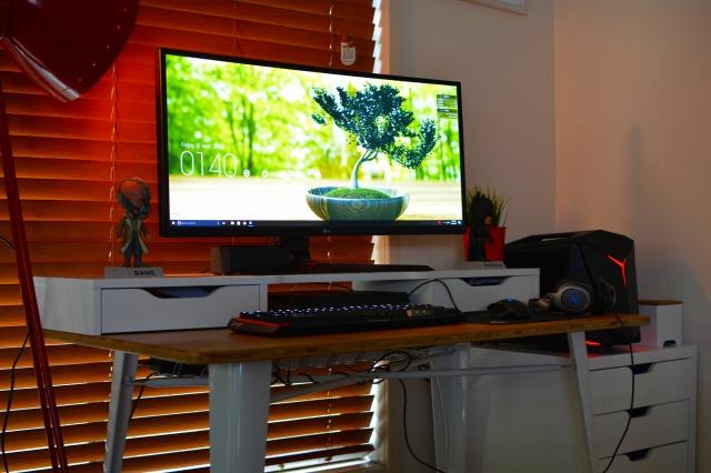 PC_Desk_UltlaWideMonitor20_44.jpg
