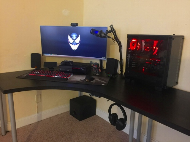 PC_Desk_UltlaWideMonitor20_45.jpg